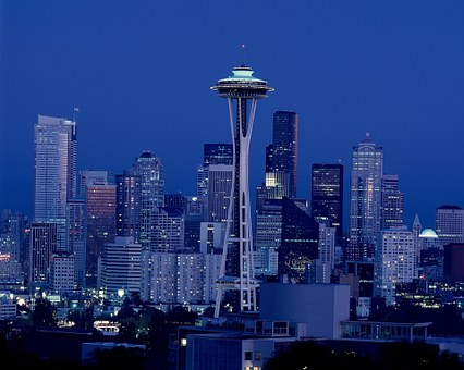 This image has an empty alt attribute; its file name is seattle-skyline.jpg